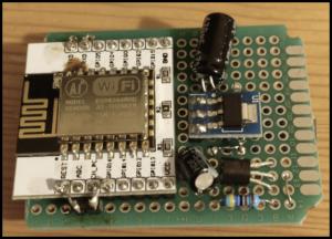 Вид спереди на термометр на базе esp8266 с wifi